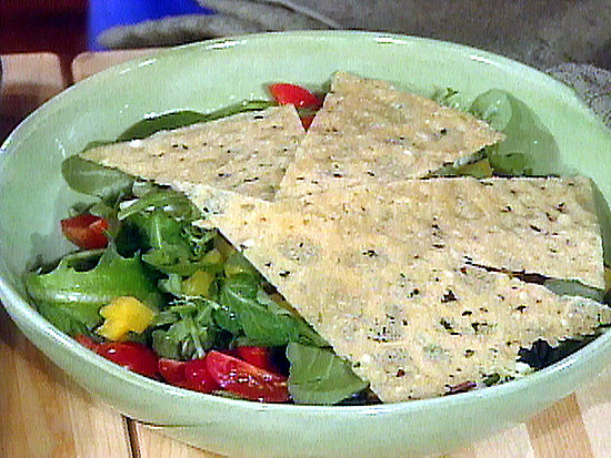 Monday's Leftovers: Salad With Feta, Chickpeas, and Pita