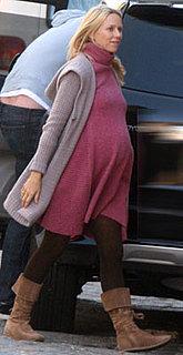 Naomi Watts Maternity Look