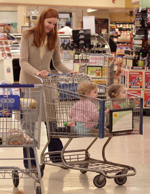 Marcia and the Girls Have a Supermarket Sweep!