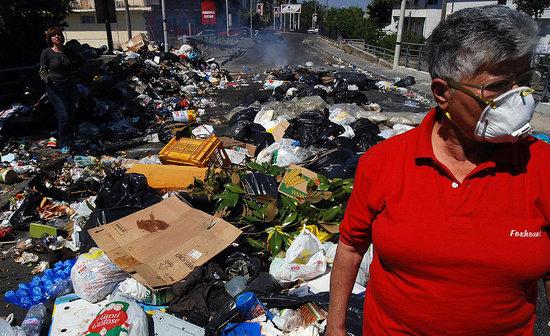 Who's More Trashy: Naples vs. San Francisco