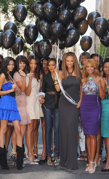 Chanel Iman, Veronica Webb, Noemie Lenoir, Jessica White, Selita Ebanks, Tyra Banks, Beverly Johnson, B. Smith.