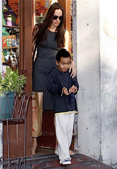 Angelina and Maddox Are Shopping Buddies