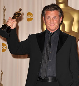 Photos and Quotes from Sean Penn in the 2009 Oscars Press Room