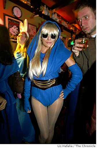 Wish I Had Been There: The SF Snuggie Pub Crawl