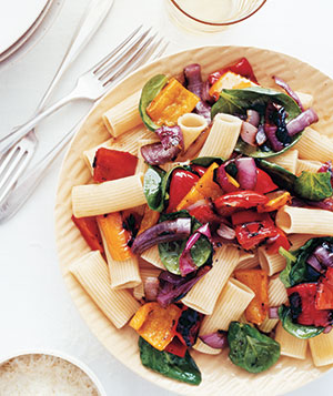 Fast & Easy Dinner: Rigatoni With Grilled Peppers and Onions