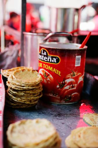 Supermarkets Target Hispanic Markets