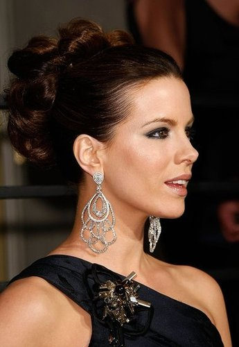 Challenge 18 - Kate Beckinsale at the 2009 Oscar Party