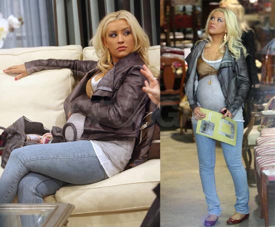 Christina Aguilera's Daily Bump Watch