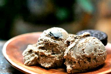 Yummy Link: Coffee Oreo Rum Ice Cream