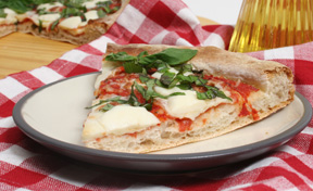 Sunday BBQ: Super Simple Grilled Pizza