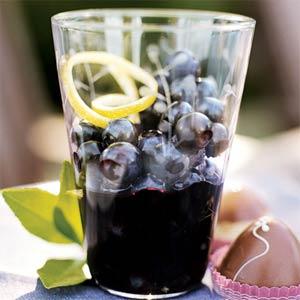 Unusual Dessert: Blueberries in Wine