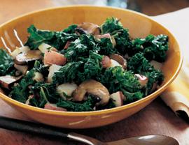 Fast & Easy Dinner: Braised Kale, Potatoes & Mushrooms