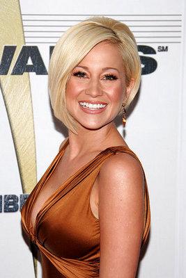 Love It or Hate It? Kellie Pickler's CMA Look