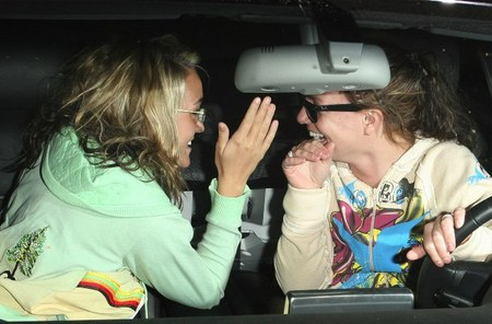 Britney Spears Reunites her family do you think this is good or bad?