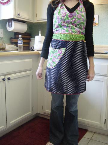 Look of The Day: Always Chic, Even in The Kitchen