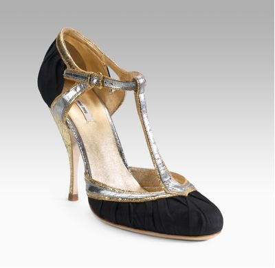 Party Accessories: Festive Shoes