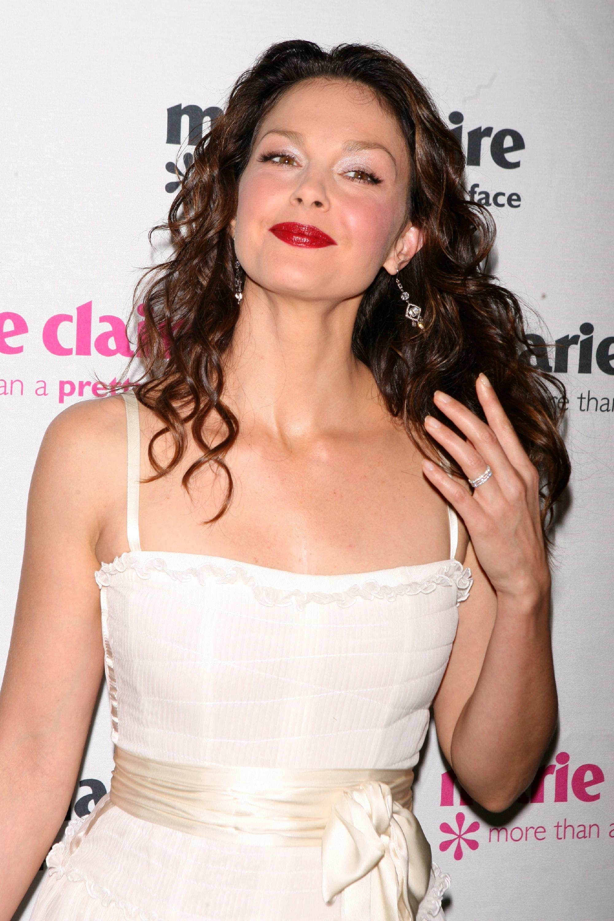ashley_judd_08_wenn965337