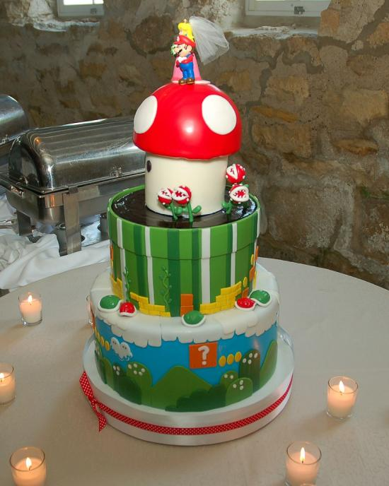 Totally Geeky or Geek Chic? Super Mario Bros. Cake