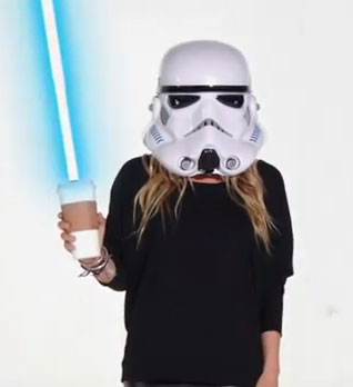Star Wars was the inspiration behind some of Mary-Kate Olsen and Ashley Olsen's costumes.