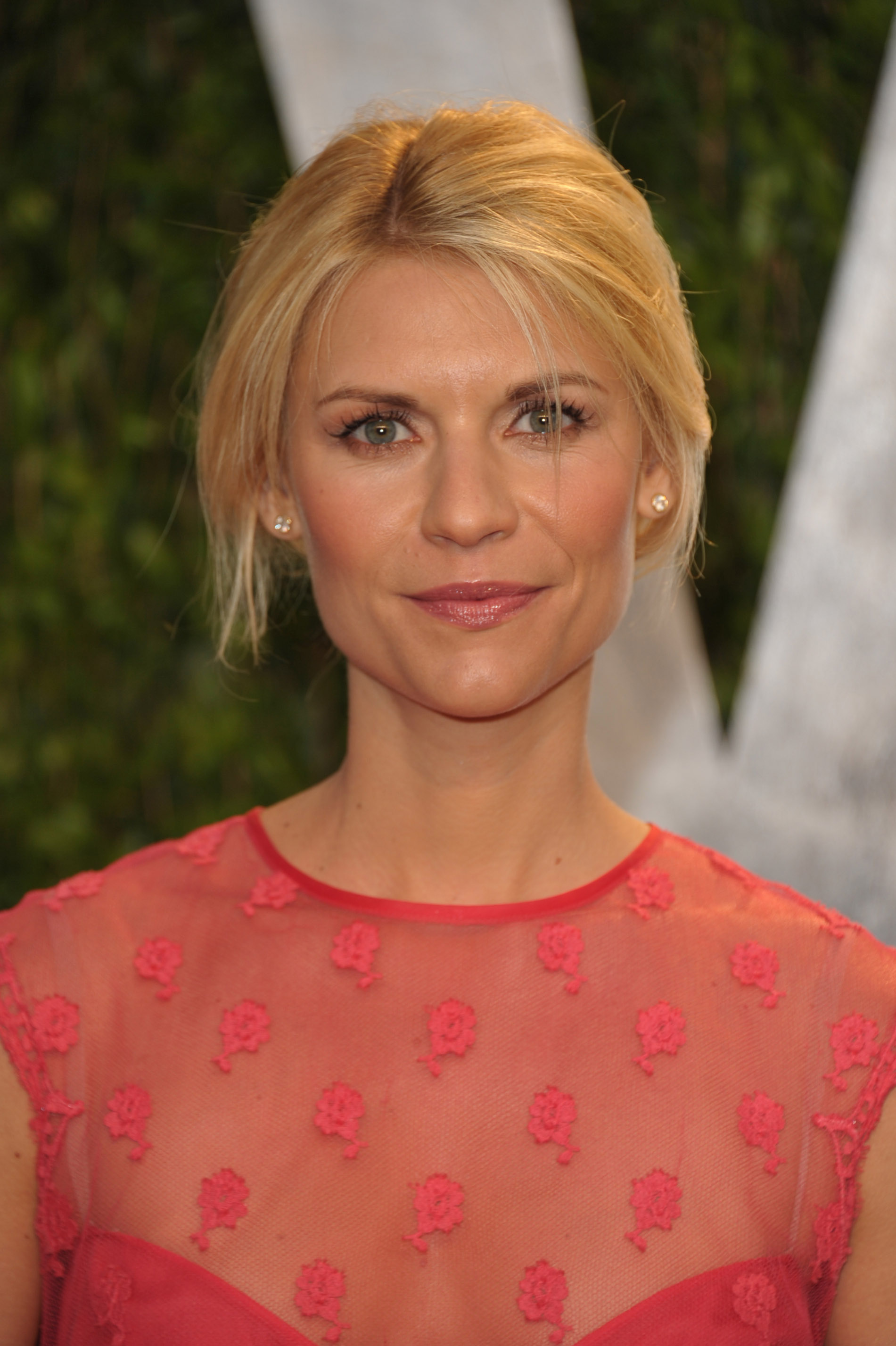 Claire Danes arrives at the Vanity Fair party.