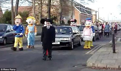 Family Dresses as Cartoon Characters for Toddler's Funeral (PHOTO)