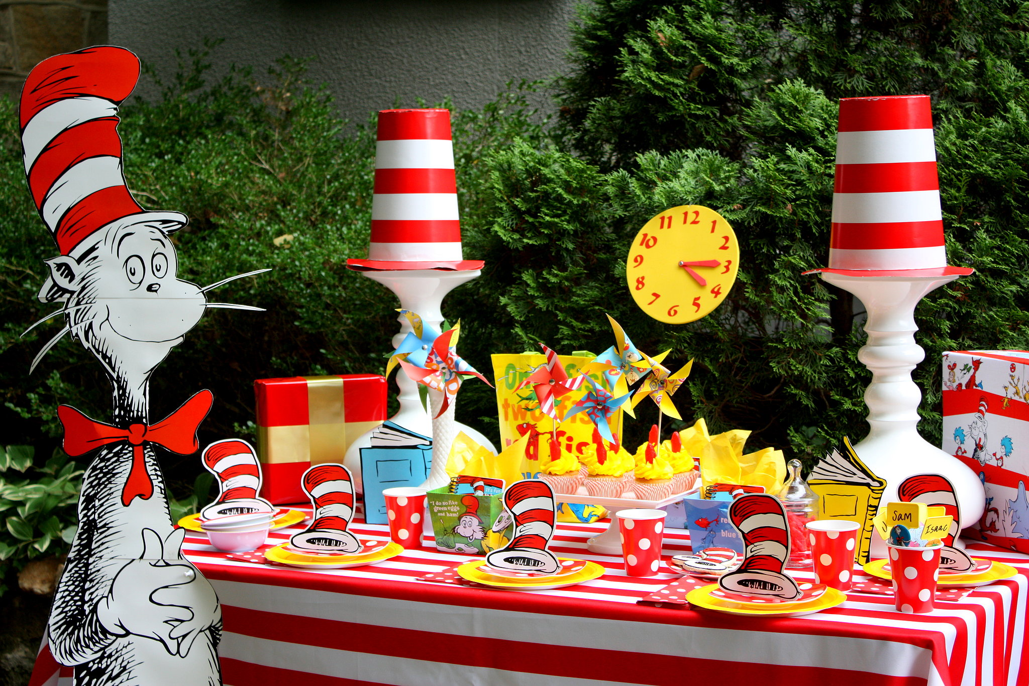 Dr. Seuss Birthday Party Ideas - FREE Printables