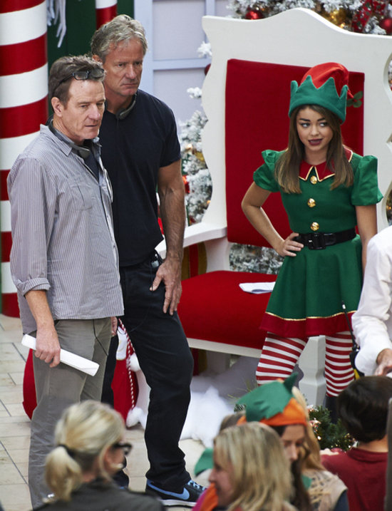 Bryan Cranston Directing Modern Family Christmas Episode ...