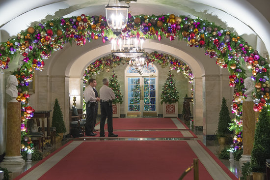 theres a gingerbread white house - White House Christmas Decorations