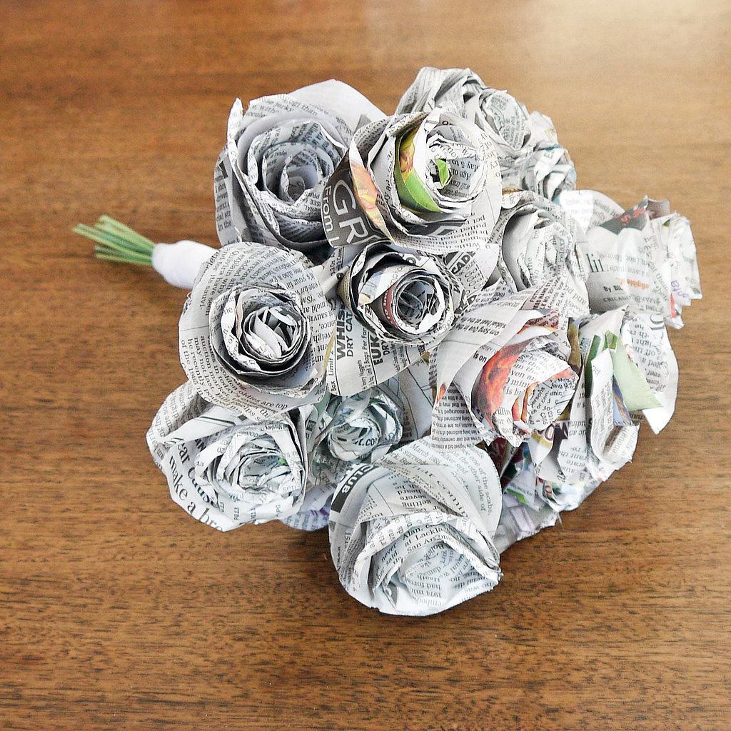 Hacer rosas con papel de periódico