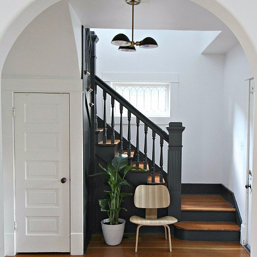 How to Modernize a Staircase With Paint