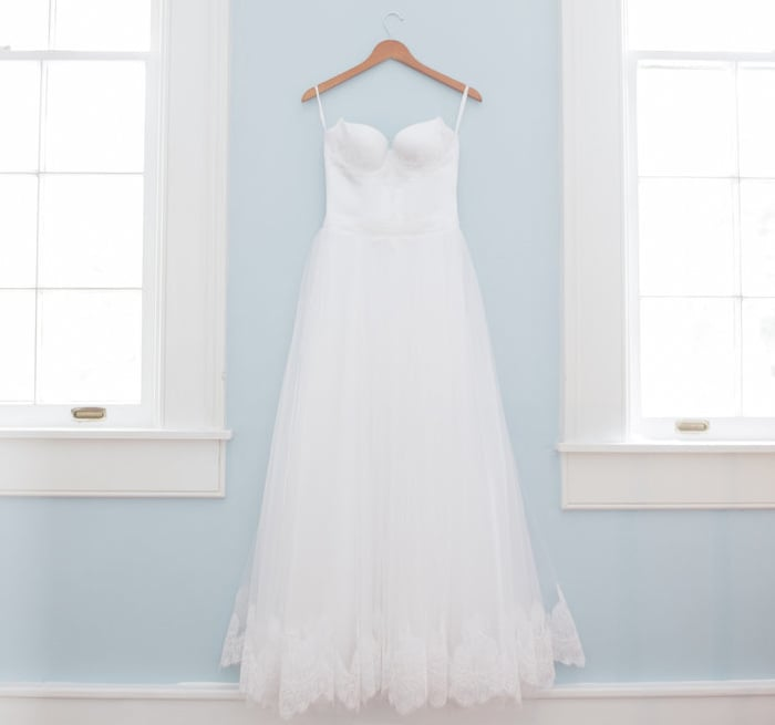 How Much Should You Spend On A Wedding Dress