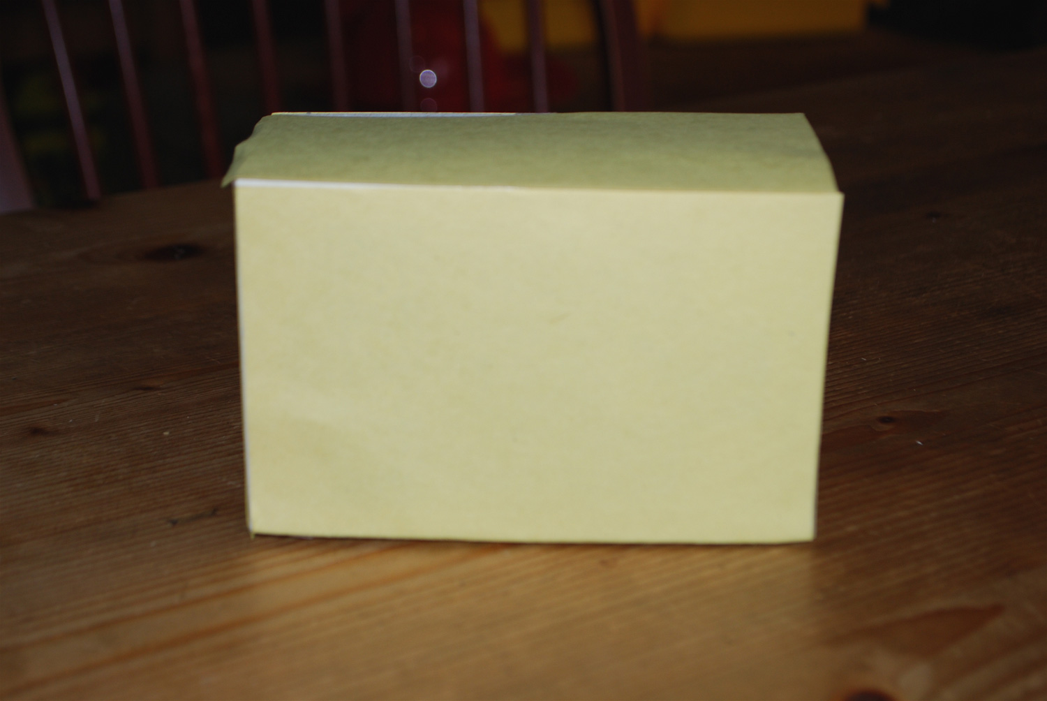 Cover box in yellow paper
